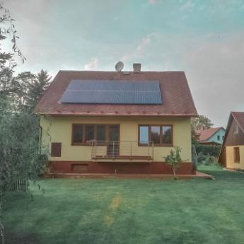 Fotovoltaická elektrárna - Praha,      reference firmy Solidsun.cz